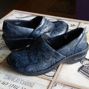 AWESOME* Navy & Black Thom Mcan Womans Clogs